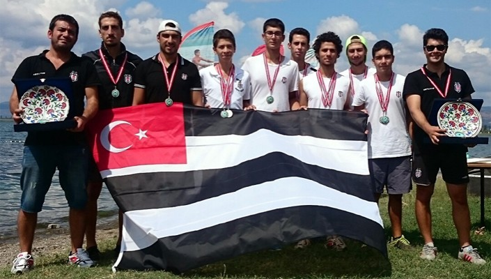 Beşiktaş JK rowers grab titles at Victory Day Tournament!