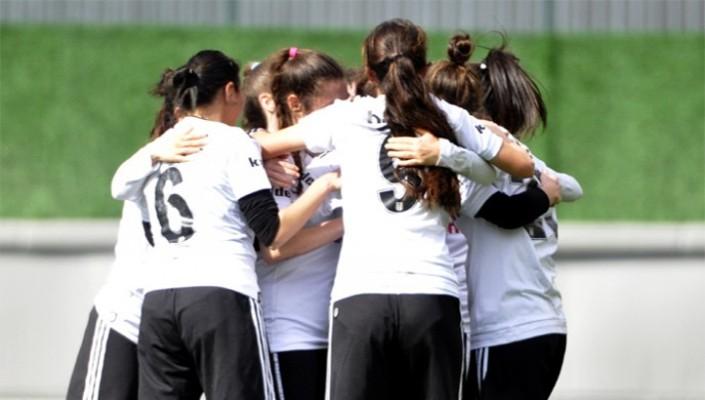 Kadın Futbol Takımı Oyuncularımıza Milli Davet