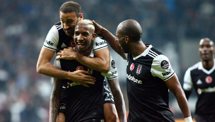 Beşiktaş tighten grip at the top!