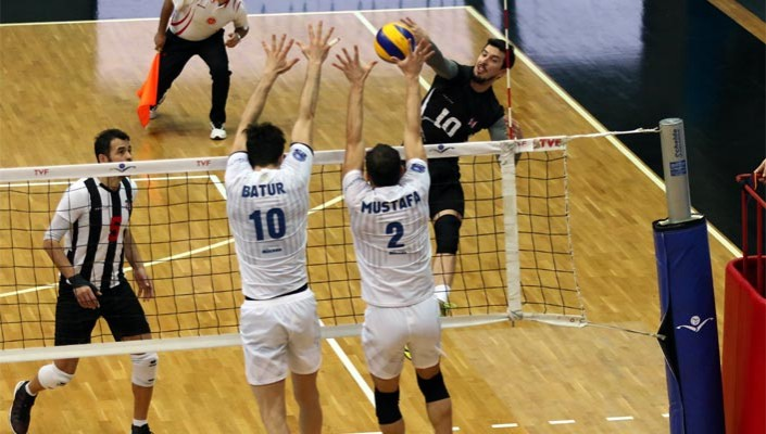 Beşiktaş knocked out of the Volley Cup despite beating Halkbank 3-2