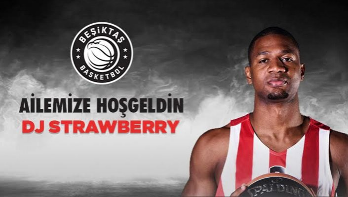 DJ Strawberry Beşiktaş Sompo Japan'da