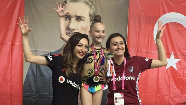 Jasmin Nicole Balat wins gold for Beşiktaş in Federation Cup