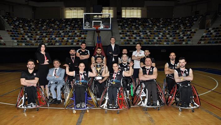Şampiyon Beşiktaş RMK Marine Törenle Kupasını Aldı