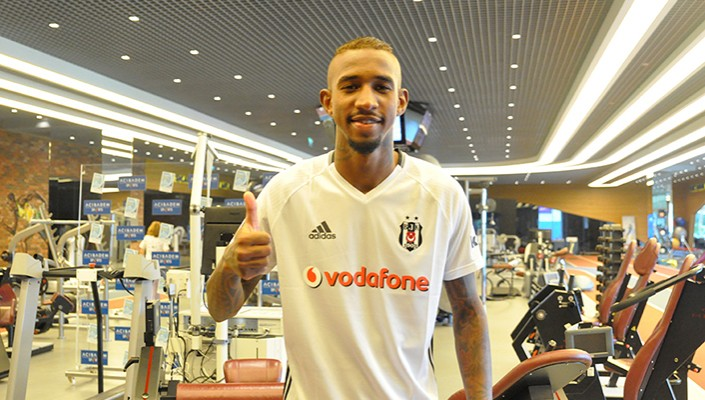 Anderson Talisca undergoes medical