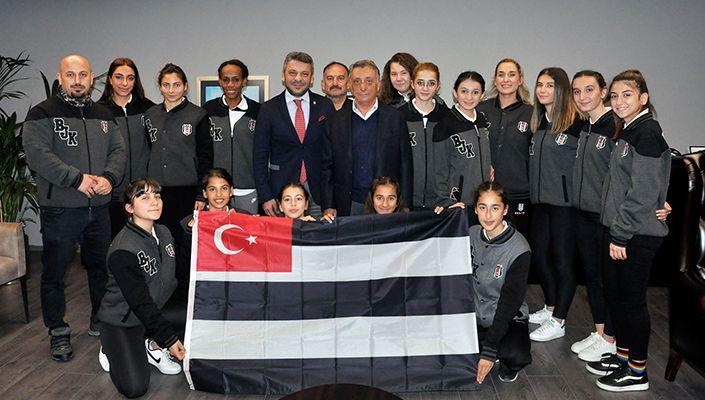 Atletizm Takımımızdan Başkanımız Ahmet Nur Çebi'ye Ziyaret