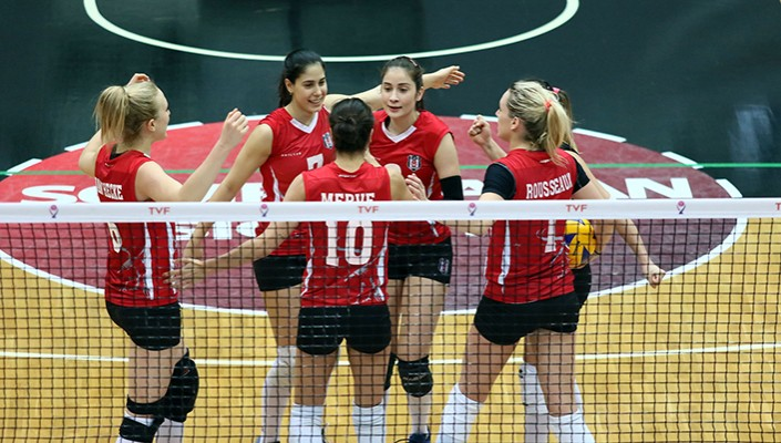 Lady Eagles survive five-set thriller against Nilüfer Belediyespor 3-2