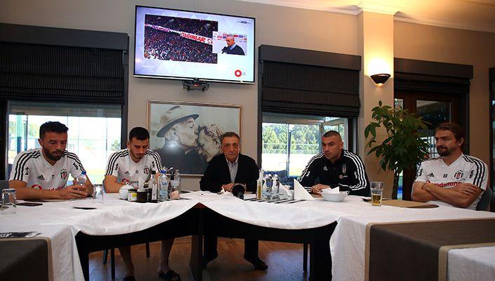 Başkanımız Ahmet Nur Çebi, Futbol Takımımızla Buluştu