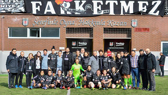 Başkanımız Ahmet Nur Çebi, Kadın Futbol Takımımızın Maçını İzledi