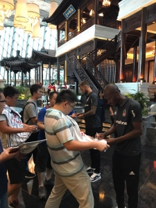 Çinli Futbolseverler Takımımıza İlgi Gösterdi
