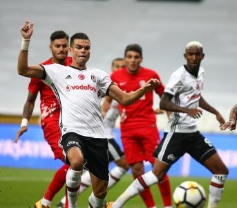 Beşiktaş v Antalyaspor (Turkish Super League)
