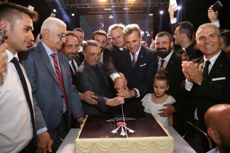 Chairman Orman with Beşiktaş fans from Izmir City