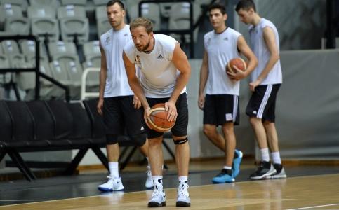 14 Ağustos Basketbol Akşam Antrenmanı